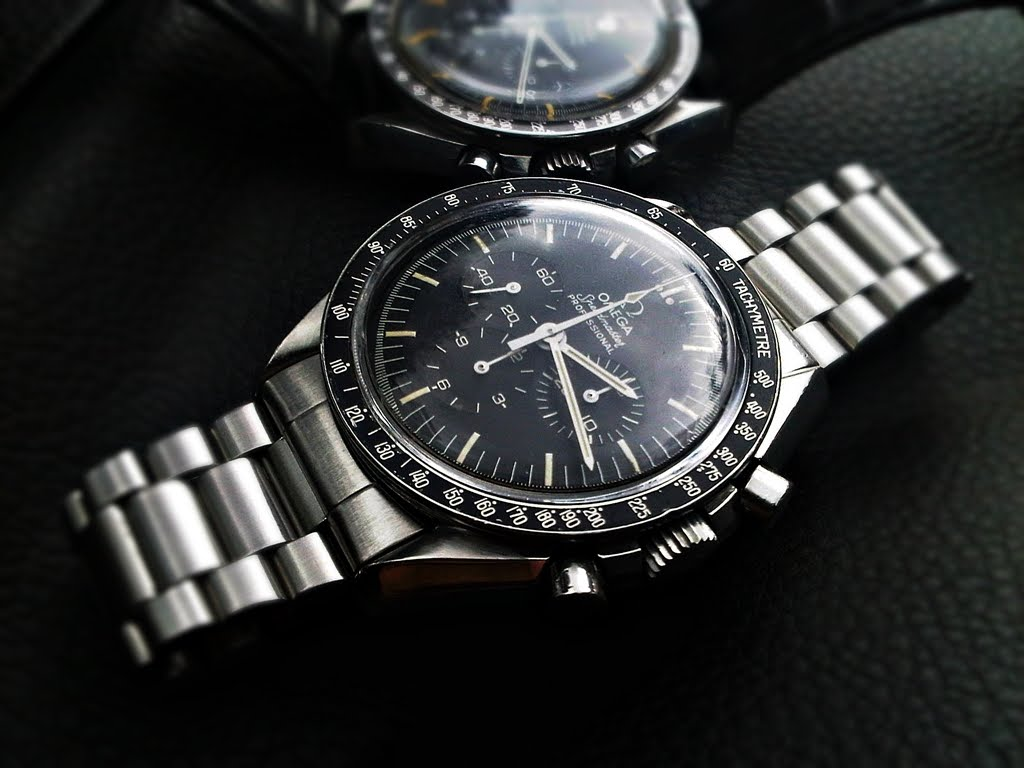 Ngoài ra đồng hồ Chronograph trang bị chức năng Tachmymeter được thiết kế rất ấn tượng