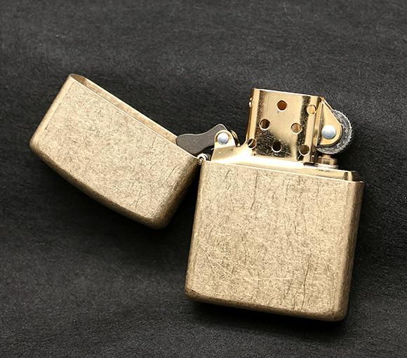 http://www.sieuthibinhan.com/zippo-tumbled-brass-armor-windproof-lighter