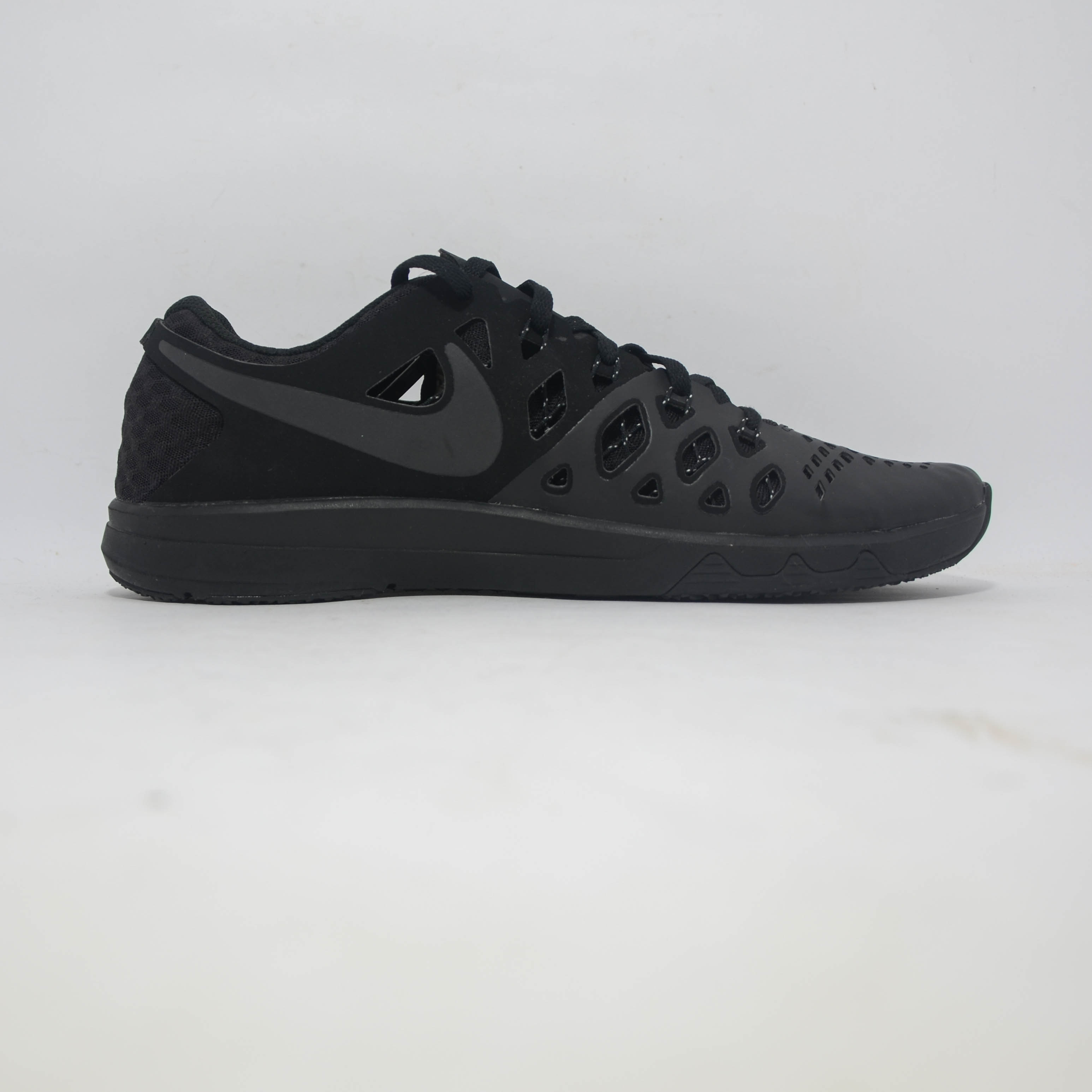Nike Training All Black
