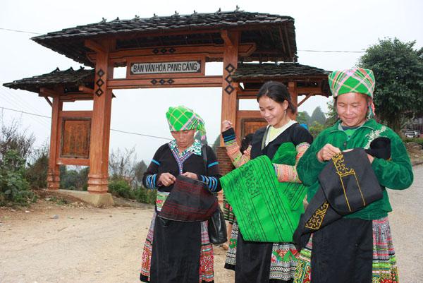 người Mông với văn hóa cây chè