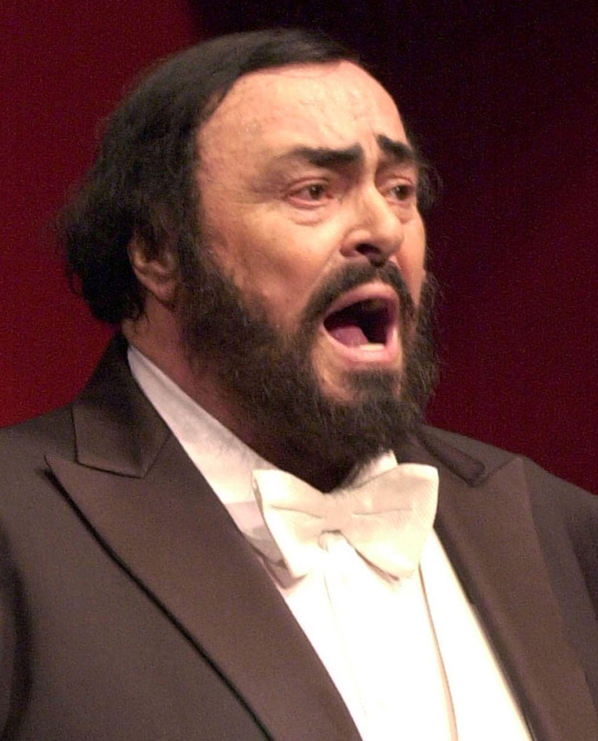 Nam danh ca Luciano Pavarotti