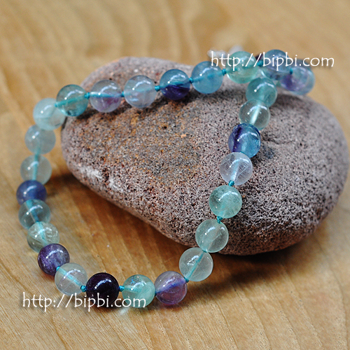 NE004 - Handmade gemstone necklace