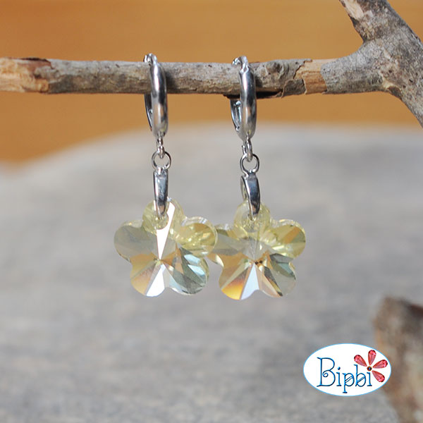 ER001 - Swarovski flower earrings
