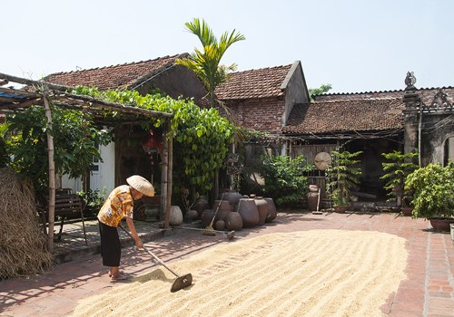 DUONG LAM ANCIENT VILLAGE- VAN PHUC SILK VILLAGE