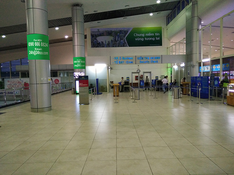 Lightbox Advertising, Banner in waiting room domestic gate Cam Ranh Airport