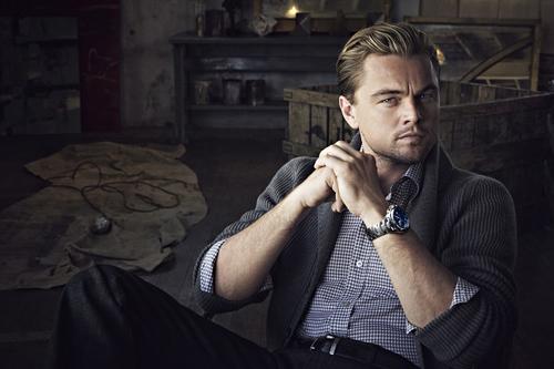 chọn một chiếc đồng hồ đeo tay sắm tết