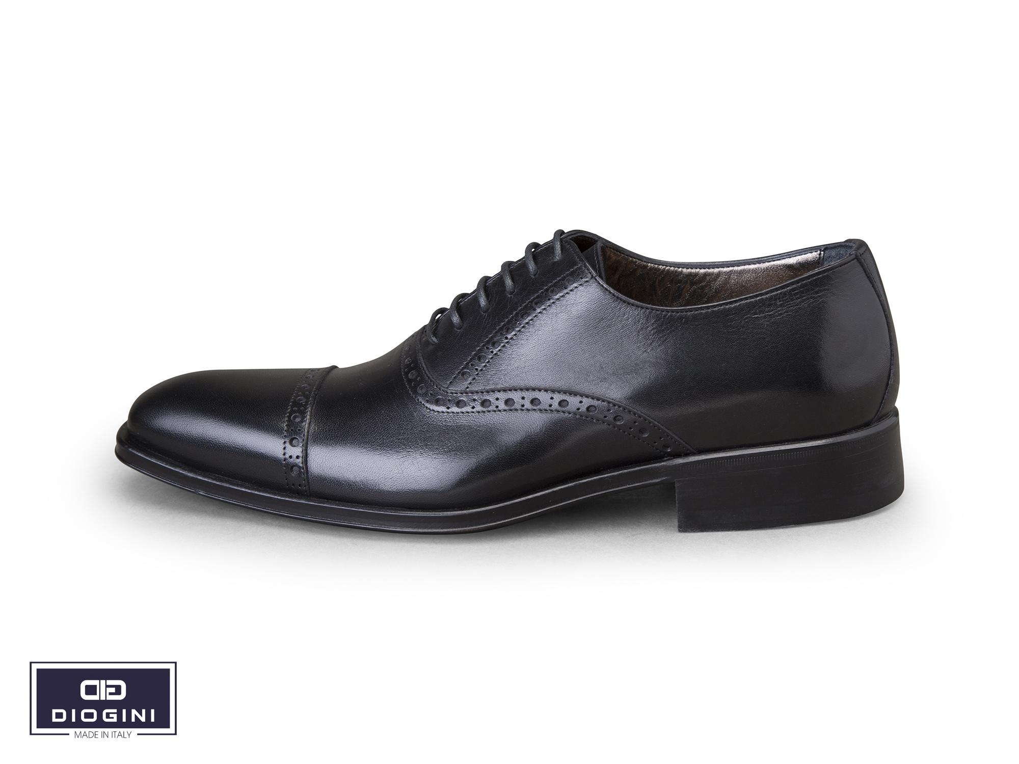 giày dây cổ điển