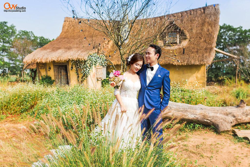 Chụp ảnh cưới ở phim trường Smiley Ville Đông Anh 3