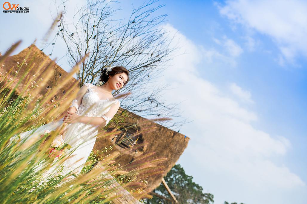 Bộ ảnh cưới đẹp nên chọn chụp ảnh ngoại cảnh hay tại phim trường  