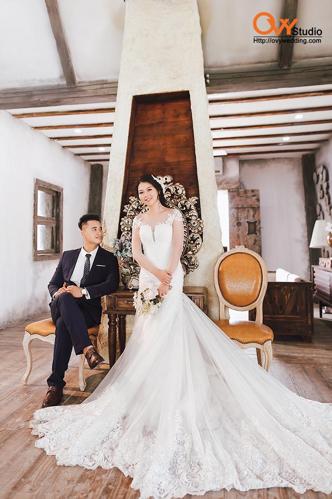 Chụp ảnh cưới ở phim trường Smiley Ville Đông Anh