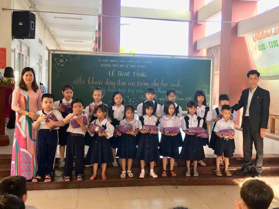 UGETHER CONTINUE TO DONATE 800 U2KID SAFETY JACKETS IN HO CHI MINH CITY
