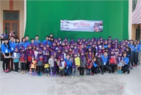 "UGETHER ""SENDS WARMTH AND LOVE"" TO CHILDREN IN HA GIANG PROVINCE."