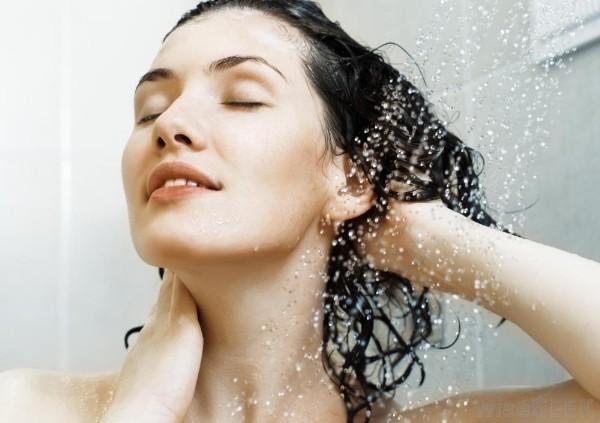 Image result for uống nước cho tóc đẹp
