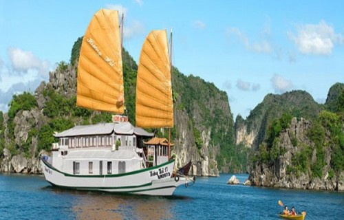 Huong Hai Junk (3 Days/2 Nights)