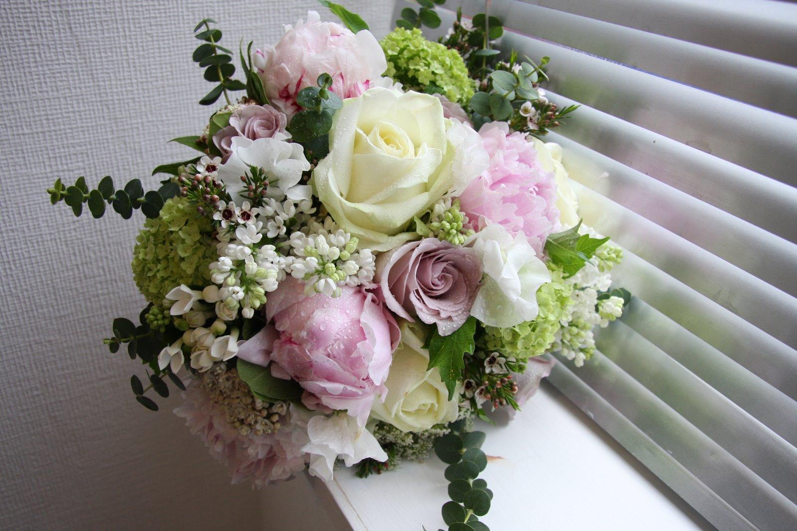 hoa cưới đẹp rẻ điện hoa tường vi