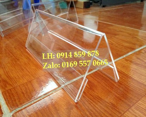 Kệ chức danh mica tam giác chữ A