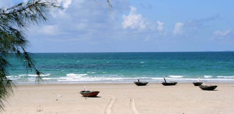Kết quả hình ảnh cho Bãi biển Hồng Vàn