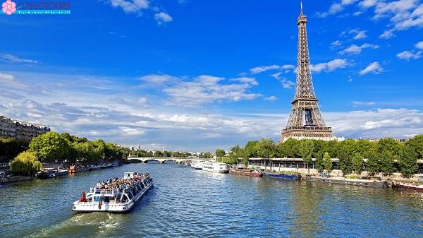 du thuyền dọc sông Seine Châu ÂU