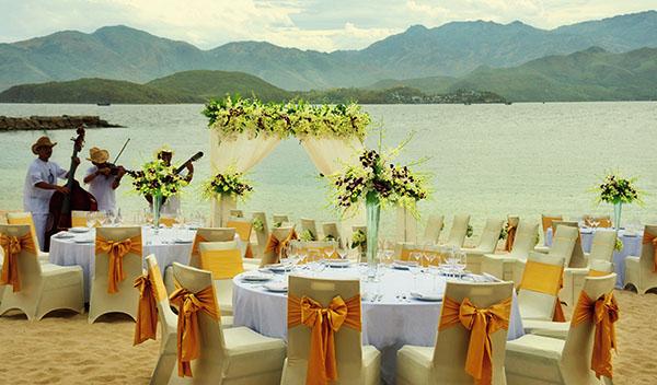 Nhà hàng tại Vinpearl Resort Nha Trang