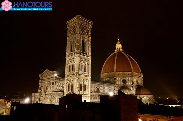 Tham quan Tháp Giotto