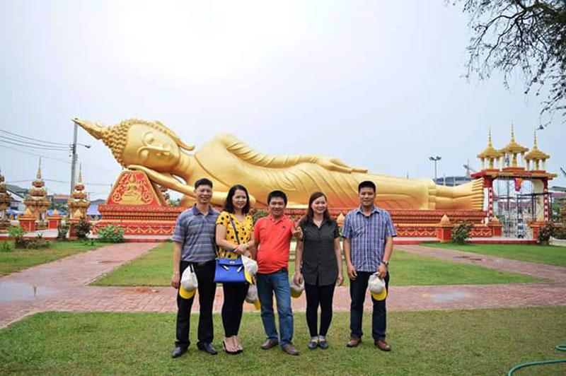 Tham quan thủ đô Viêng Chăn, Lào
