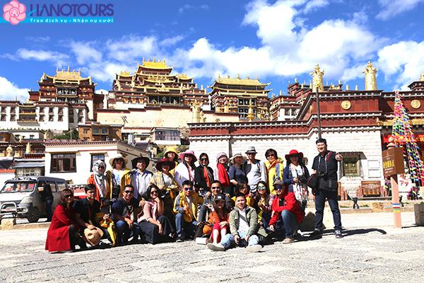 Đoàn du lịch khởi hành đi Shangrila