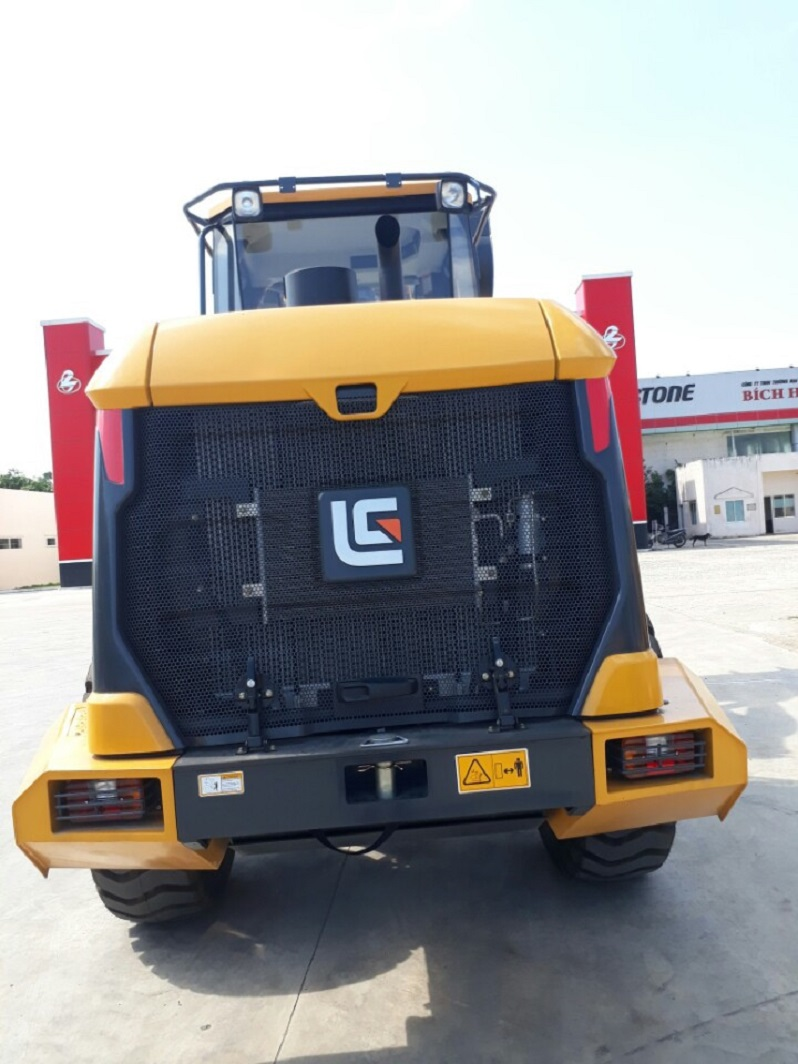 Bán máy xúc lật Liugong CLG835H 1,8 - 2,3(m3).