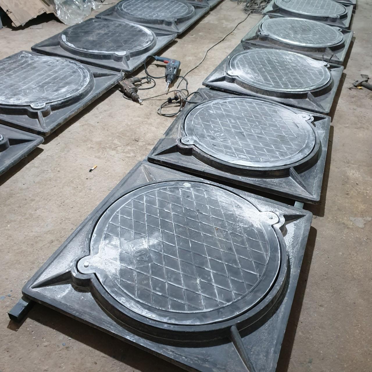 Công ty cung cấp dịch vụ lắp đặt nắp hố ga Composite