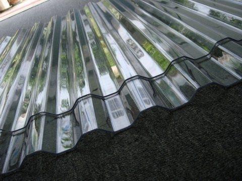 Các loại tôn nhựa lấy sáng polycarbonate cao cấp