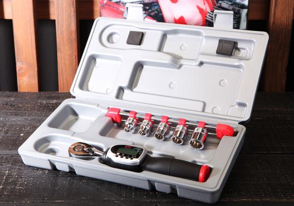 Cờ lê lực KTC, KTC GEK060-R3, cần xiết lực điện tử 3/8 inch, dải lực 12-60Nm