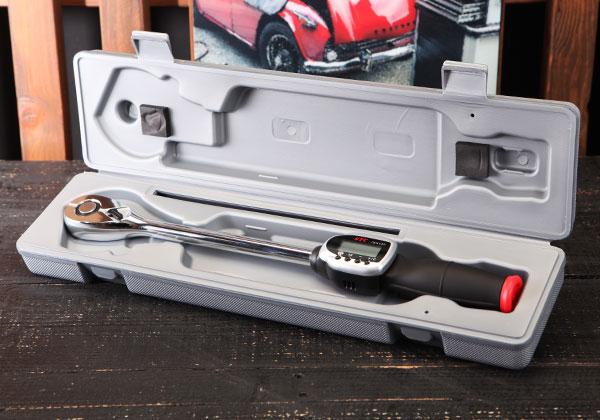 Cờ lê lực điện tử, cần xiết lực với đầu nối khẩu 1/2 inch, KTC GEK135-R4