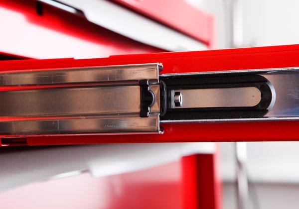 Các khay trượt của hộp dụng cụ KTC EKR-1003R, hộp đựng dụng cụ 4 ngăn kéo có màu bạc, đen và đỏ,