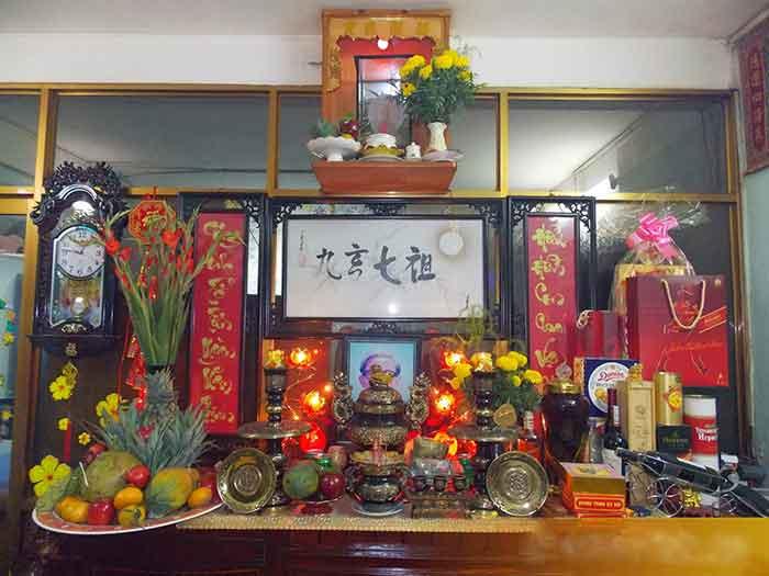 Vệ sinh bàn thờ đúng chuẩn- Việc làm mang lại tài lộc và may mắn
