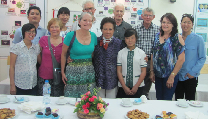 Guest of samaritan's purse visit hoa sua school