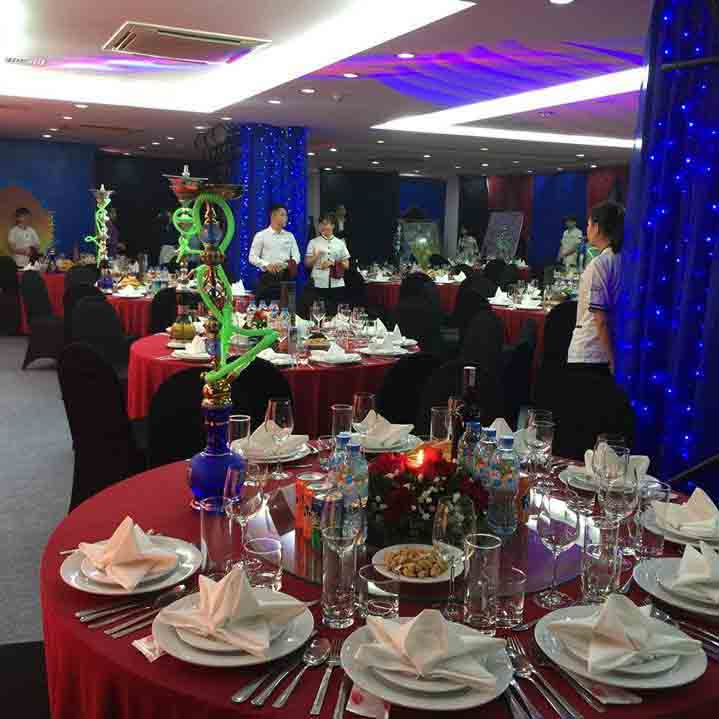 Hoa Sua school students preparing a catering event