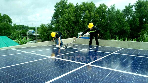 Hệ thống điện mặt trời hòa lưới 4kWp cho hộ gia đình chú Hùng tại Long An