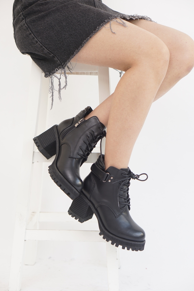 Lace up high boots