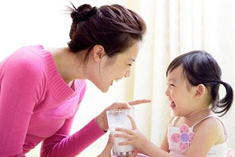 """""""Mẹo"""" chọn sữa dành cho các mẹ thông thái"""