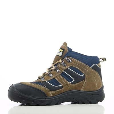 Giày bảo hộ:  tiêu chuẩn an toàn và cách đánh giá giày bảo hộ