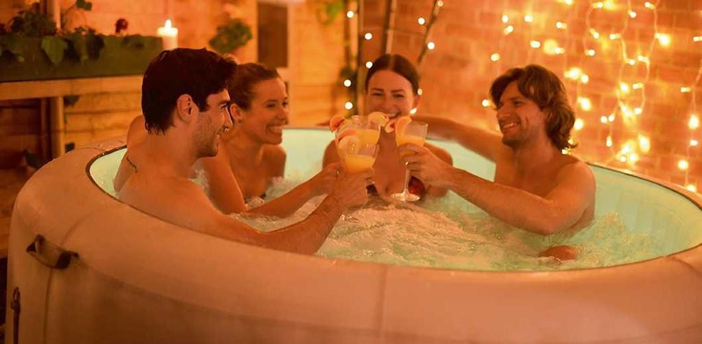 Bể sục nước nóng massage khoáng chất cao cấp Bestway