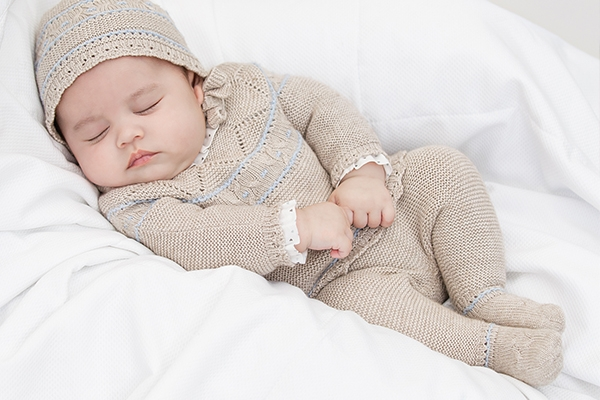 Mách mẹ cách chọn trang phục đẹp chất cho bé sơ sinh