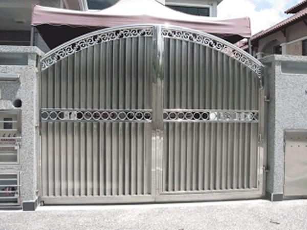 Cửa cổng inox giá rẻ