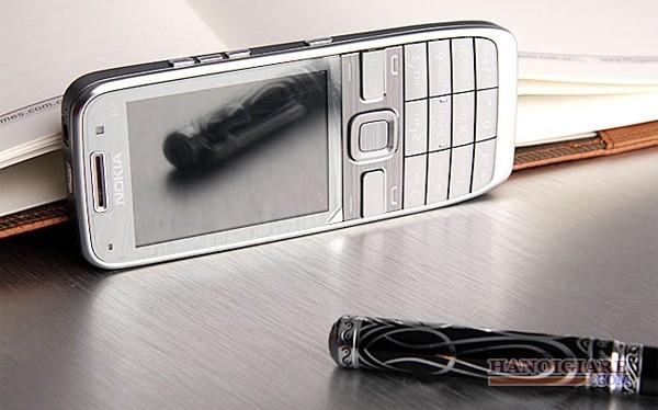 ** Điện Thoại Cổ Nokia E52 Chính Hãng