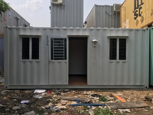 Container cửa đi giữa