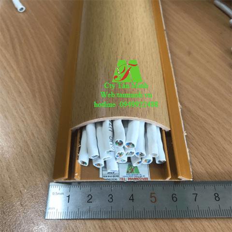 Ghen bán nguyệt Vân gỗ D70