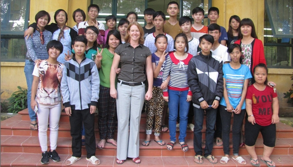 Caroline duguay volunteer at hoa sua school