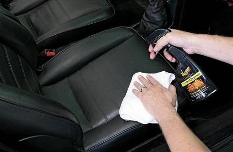 Hướng dẫn cách vệ sinh nệm ô tô sạch đẹp