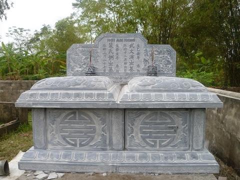 mộ đá đôi 13