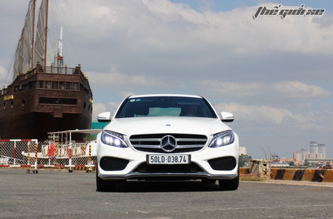 Mercedes C250 AMG: Dáng thanh cao, lái thể thao