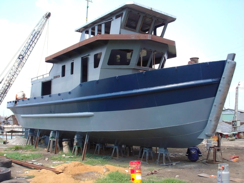 REPAIRING / BUILDING SHIP AND BARGE
